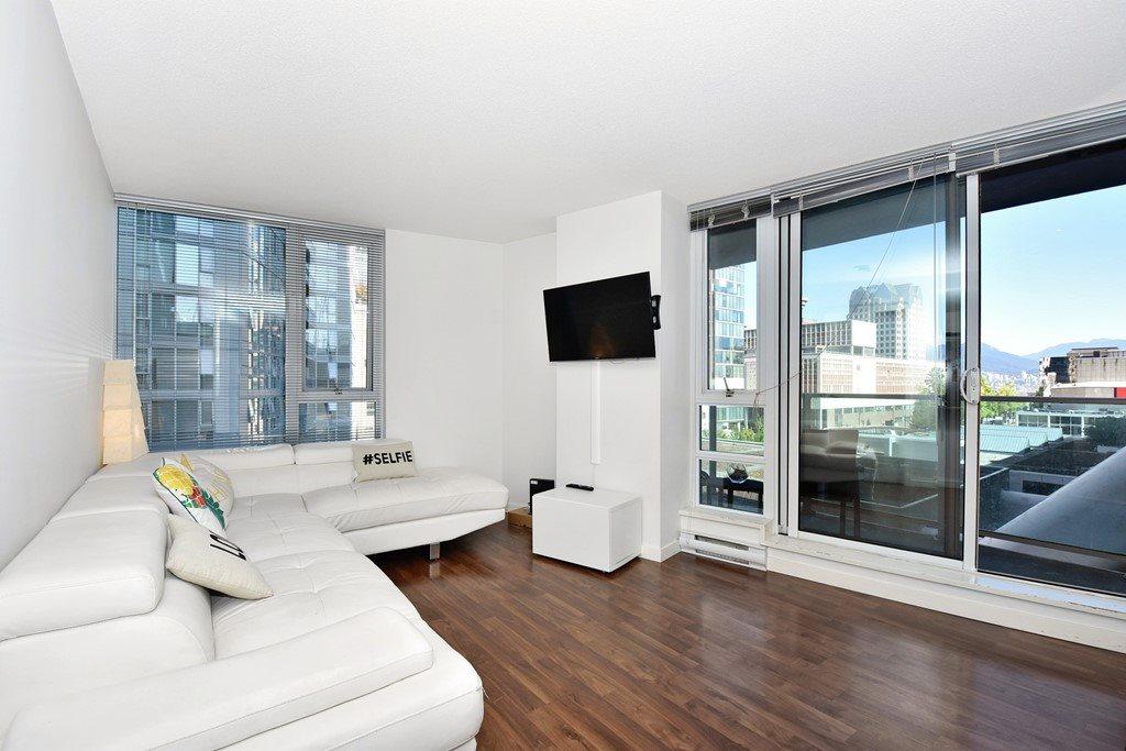 Condo Apartment at 1002 233 ROBSON STREET, Unit 1002, Vancouver West, British Columbia. Image 3