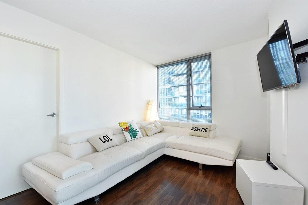 Condo Apartment at 1002 233 ROBSON STREET, Unit 1002, Vancouver West, British Columbia. Image 4