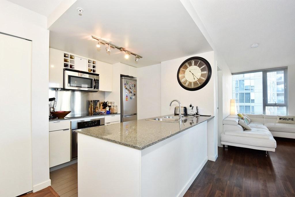 Condo Apartment at 1002 233 ROBSON STREET, Unit 1002, Vancouver West, British Columbia. Image 10