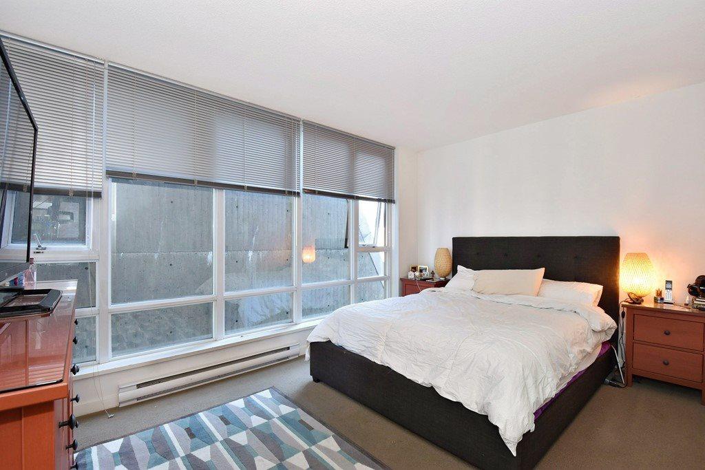 Condo Apartment at 1002 233 ROBSON STREET, Unit 1002, Vancouver West, British Columbia. Image 13