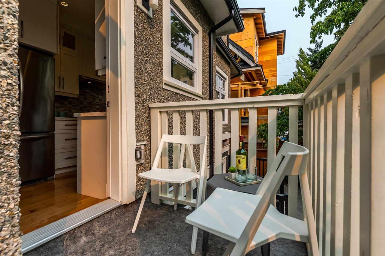 Half-duplex at 1820 WOODLAND DRIVE, Vancouver East, British Columbia. Image 9