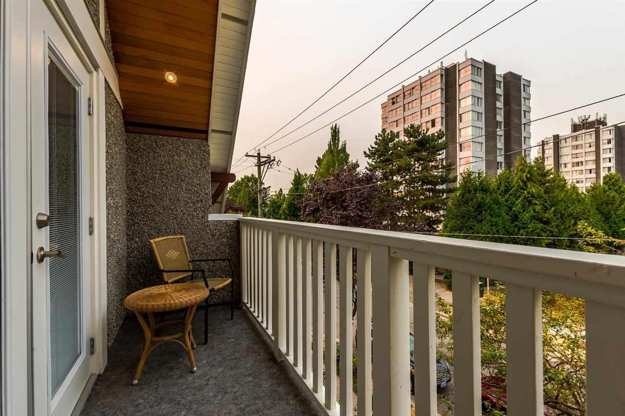 Half-duplex at 1820 WOODLAND DRIVE, Vancouver East, British Columbia. Image 14