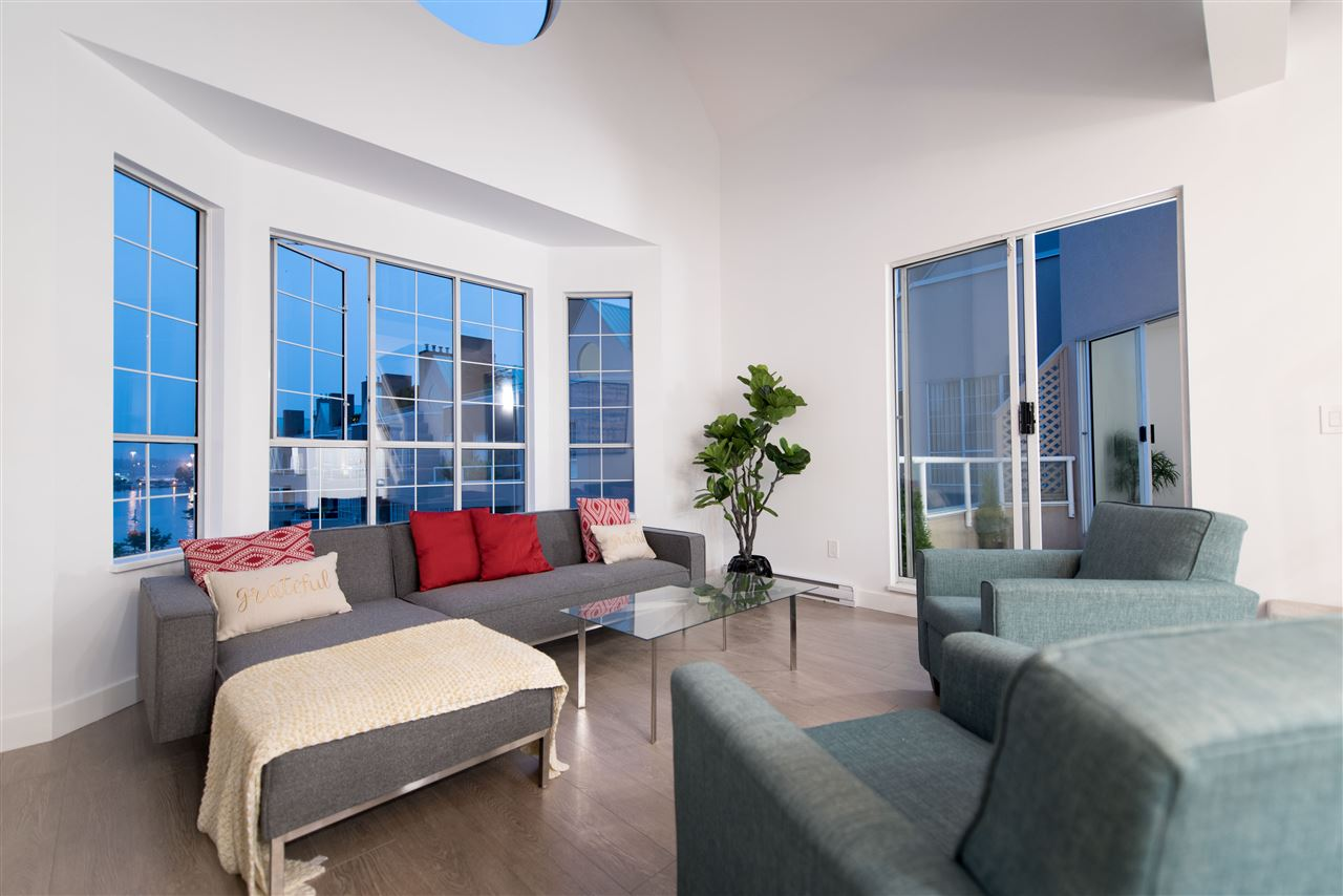 Condo Apartment at 413 1150 QUAYSIDE DRIVE, Unit 413, New Westminster, British Columbia. Image 3