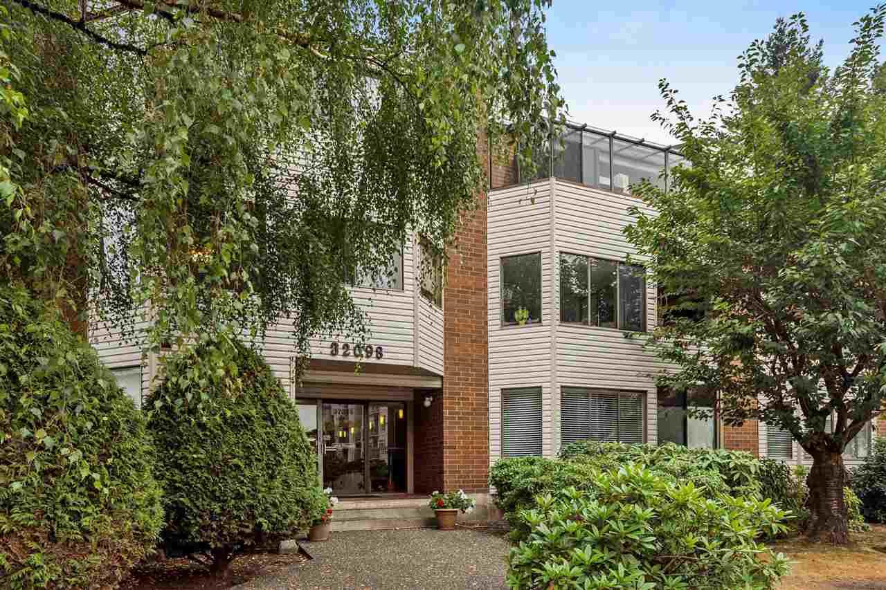 Condo Apartment at 101 32098 GEORGE FERGUSON WAY, Unit 101, Abbotsford, British Columbia. Image 1