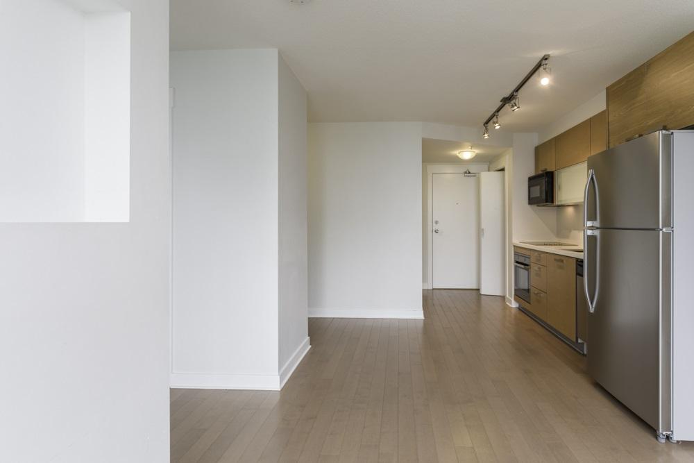 Condo Apartment at 1410 13380 108 AVENUE, Unit 1410, North Surrey, British Columbia. Image 6