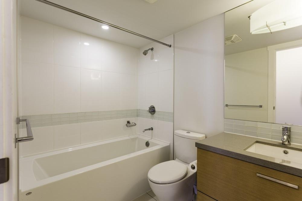 Condo Apartment at 1410 13380 108 AVENUE, Unit 1410, North Surrey, British Columbia. Image 8