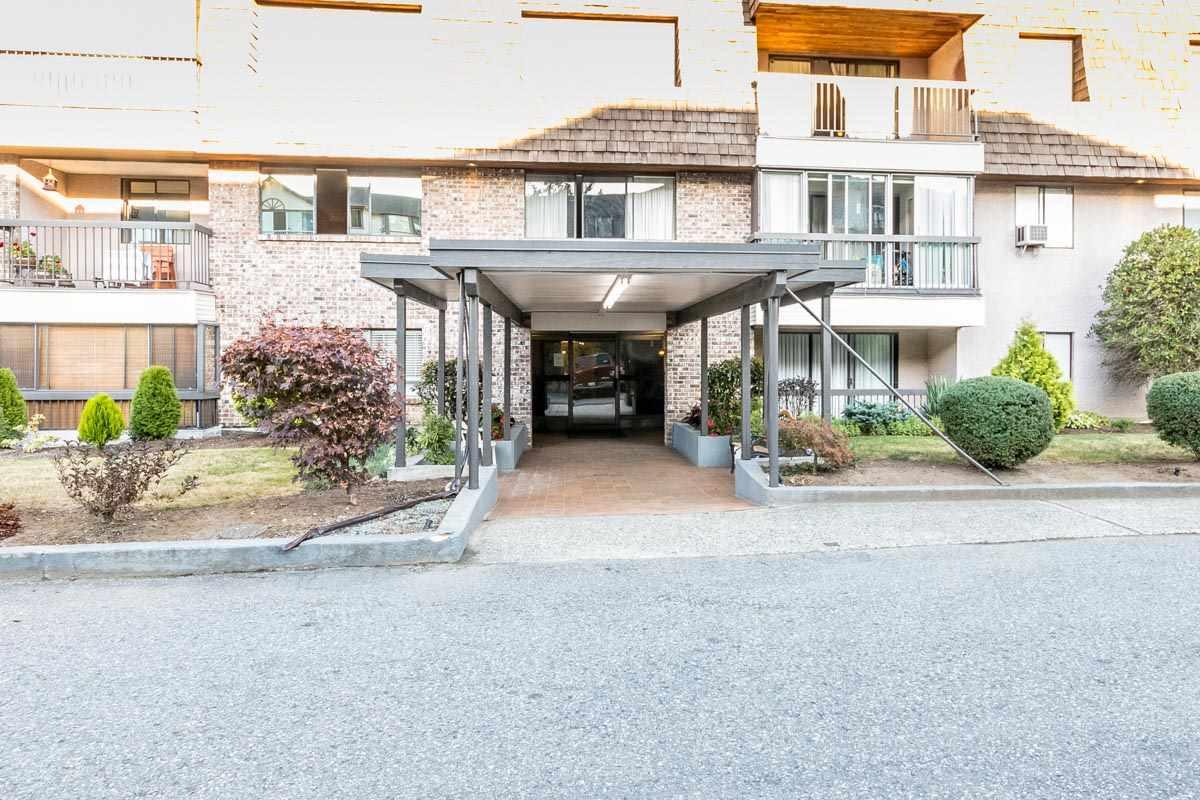 Condo Apartment at 318 32175 OLD YALE ROAD, Unit 318, Abbotsford, British Columbia. Image 2