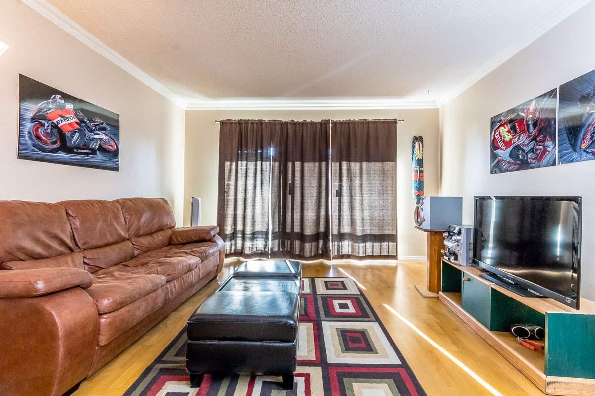 Condo Apartment at 318 32175 OLD YALE ROAD, Unit 318, Abbotsford, British Columbia. Image 4