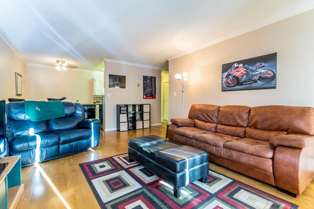 Condo Apartment at 318 32175 OLD YALE ROAD, Unit 318, Abbotsford, British Columbia. Image 5