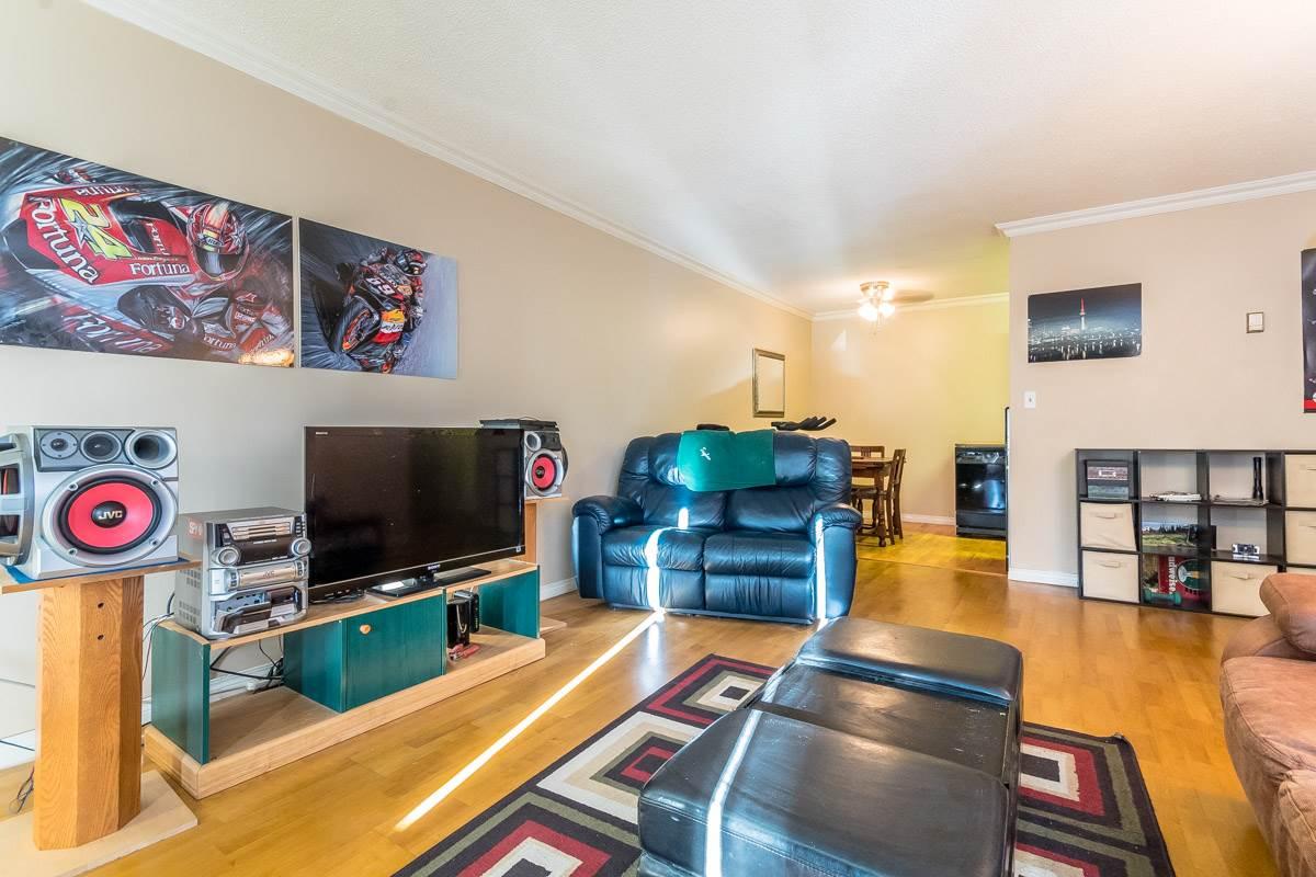 Condo Apartment at 318 32175 OLD YALE ROAD, Unit 318, Abbotsford, British Columbia. Image 6