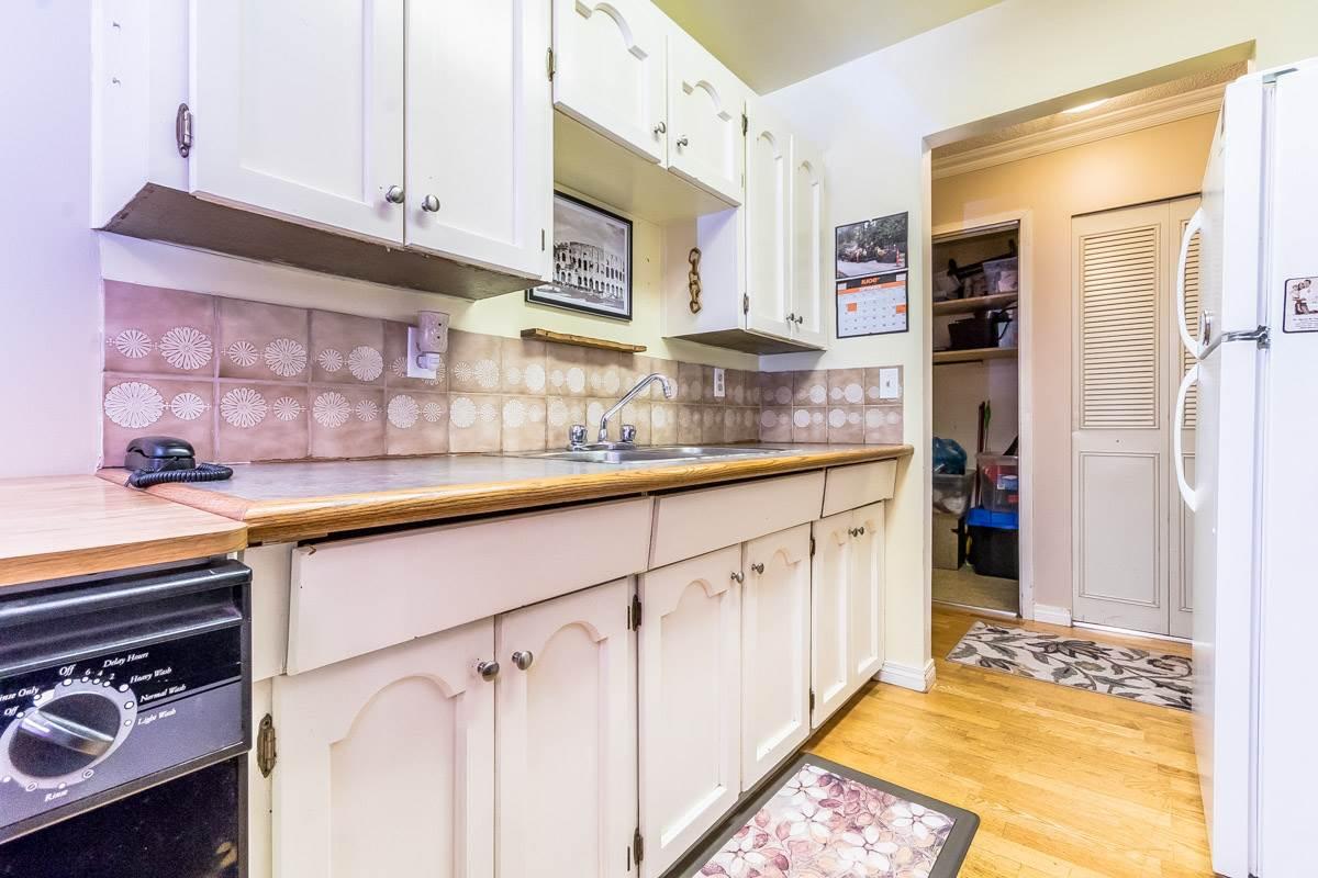 Condo Apartment at 318 32175 OLD YALE ROAD, Unit 318, Abbotsford, British Columbia. Image 11