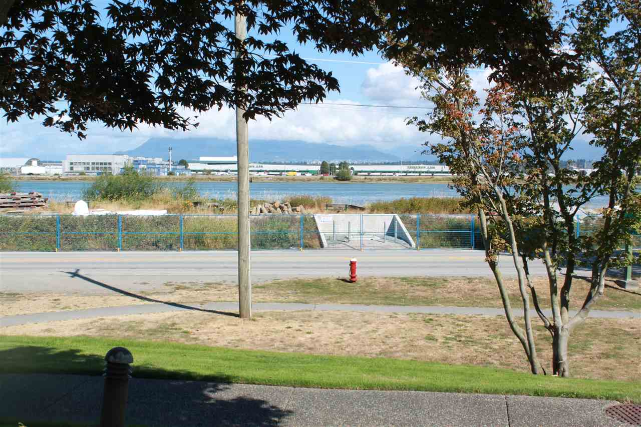 Condo Apartment at 109 5860 DOVER CRESCENT, Unit 109, Richmond, British Columbia. Image 4