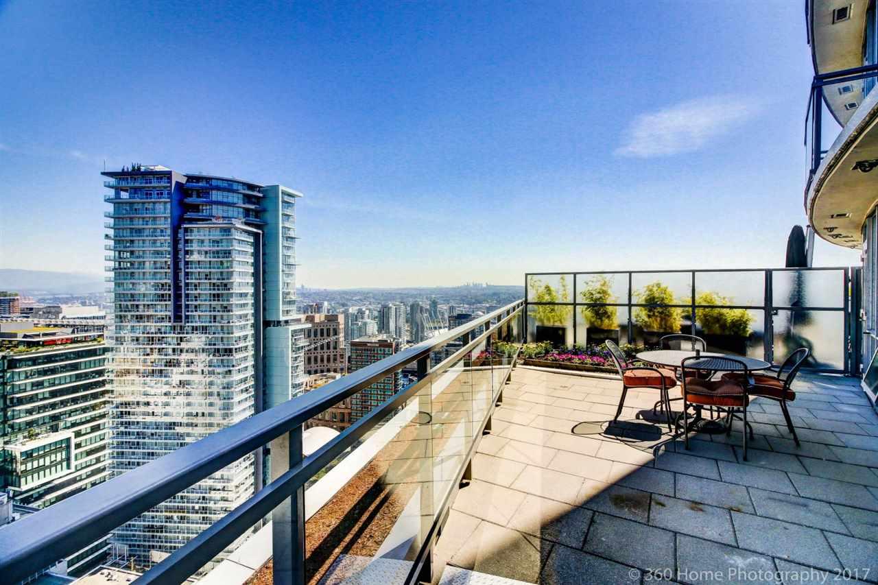Condo Apartment at 3706 833 SEYMOUR STREET, Unit 3706, Vancouver West, British Columbia. Image 1