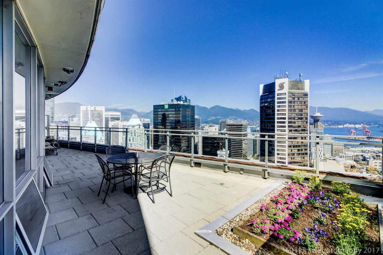 Condo Apartment at 3706 833 SEYMOUR STREET, Unit 3706, Vancouver West, British Columbia. Image 2