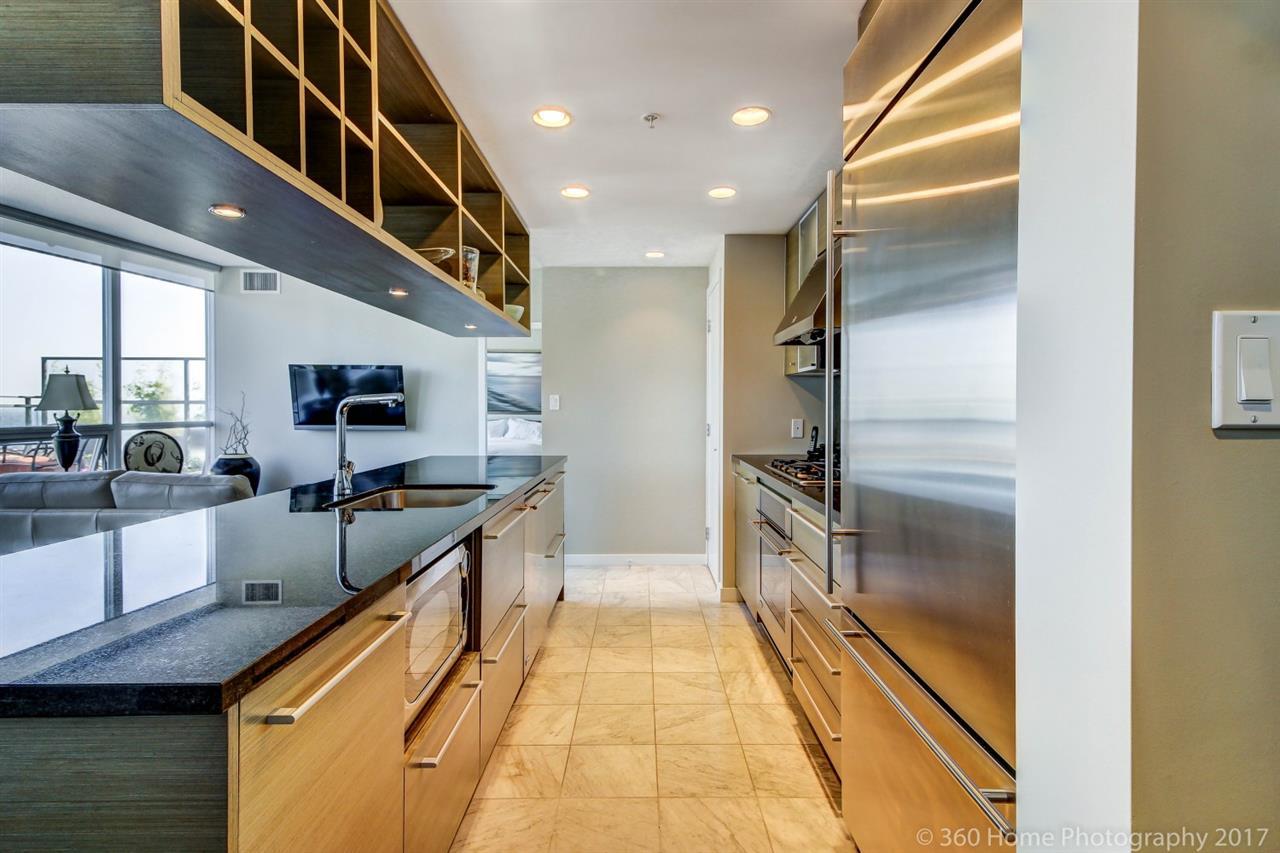 Condo Apartment at 3706 833 SEYMOUR STREET, Unit 3706, Vancouver West, British Columbia. Image 5