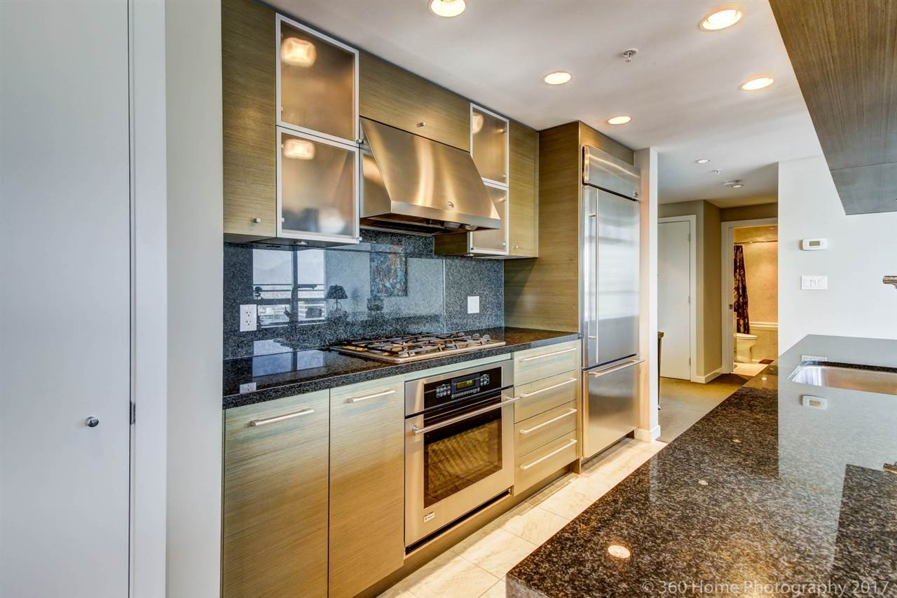 Condo Apartment at 3706 833 SEYMOUR STREET, Unit 3706, Vancouver West, British Columbia. Image 9