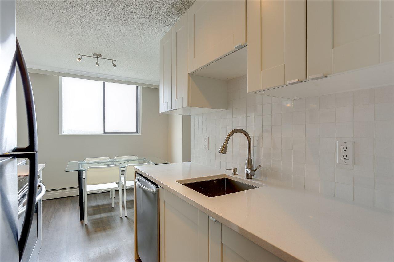 Condo Apartment at 1507 145 ST. GEORGES AVENUE, Unit 1507, North Vancouver, British Columbia. Image 15