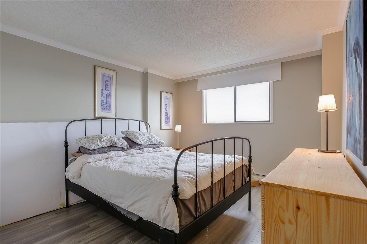 Condo Apartment at 1507 145 ST. GEORGES AVENUE, Unit 1507, North Vancouver, British Columbia. Image 16