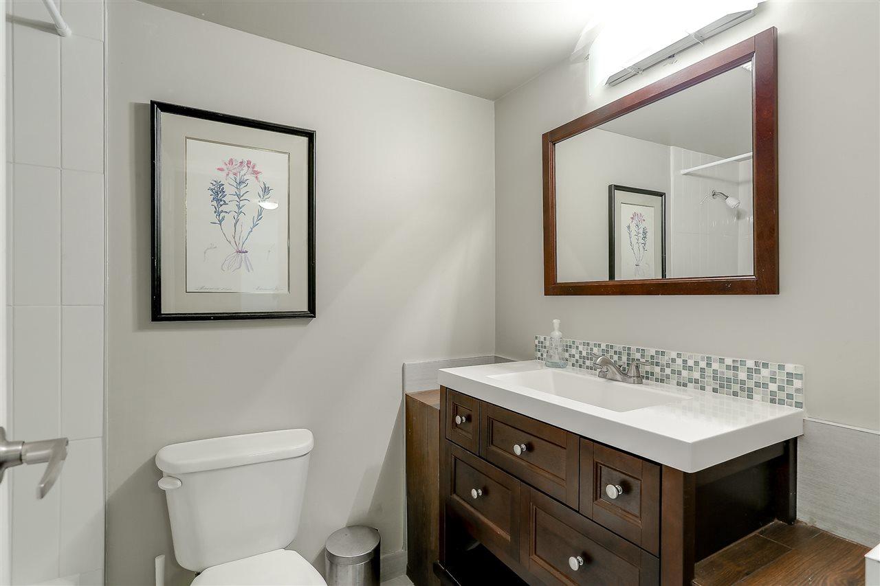 Condo Apartment at 1507 145 ST. GEORGES AVENUE, Unit 1507, North Vancouver, British Columbia. Image 20