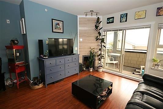 Condo Apartment at 403 1988 SUFFOLK AVENUE, Unit 403, Port Coquitlam, British Columbia. Image 6