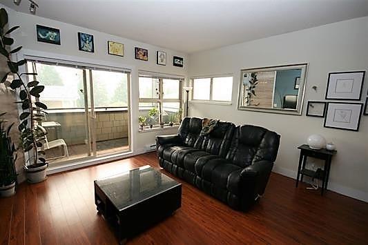 Condo Apartment at 403 1988 SUFFOLK AVENUE, Unit 403, Port Coquitlam, British Columbia. Image 7