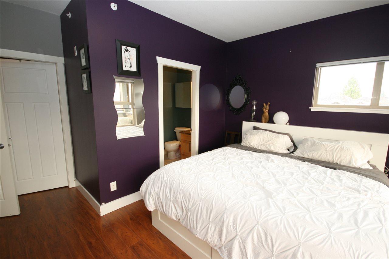 Condo Apartment at 403 1988 SUFFOLK AVENUE, Unit 403, Port Coquitlam, British Columbia. Image 10