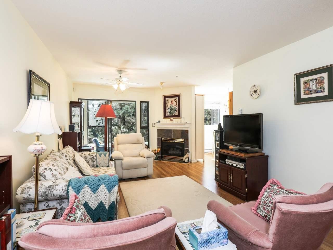 Condo Apartment at 209 175 E 10TH STREET, Unit 209, North Vancouver, British Columbia. Image 5