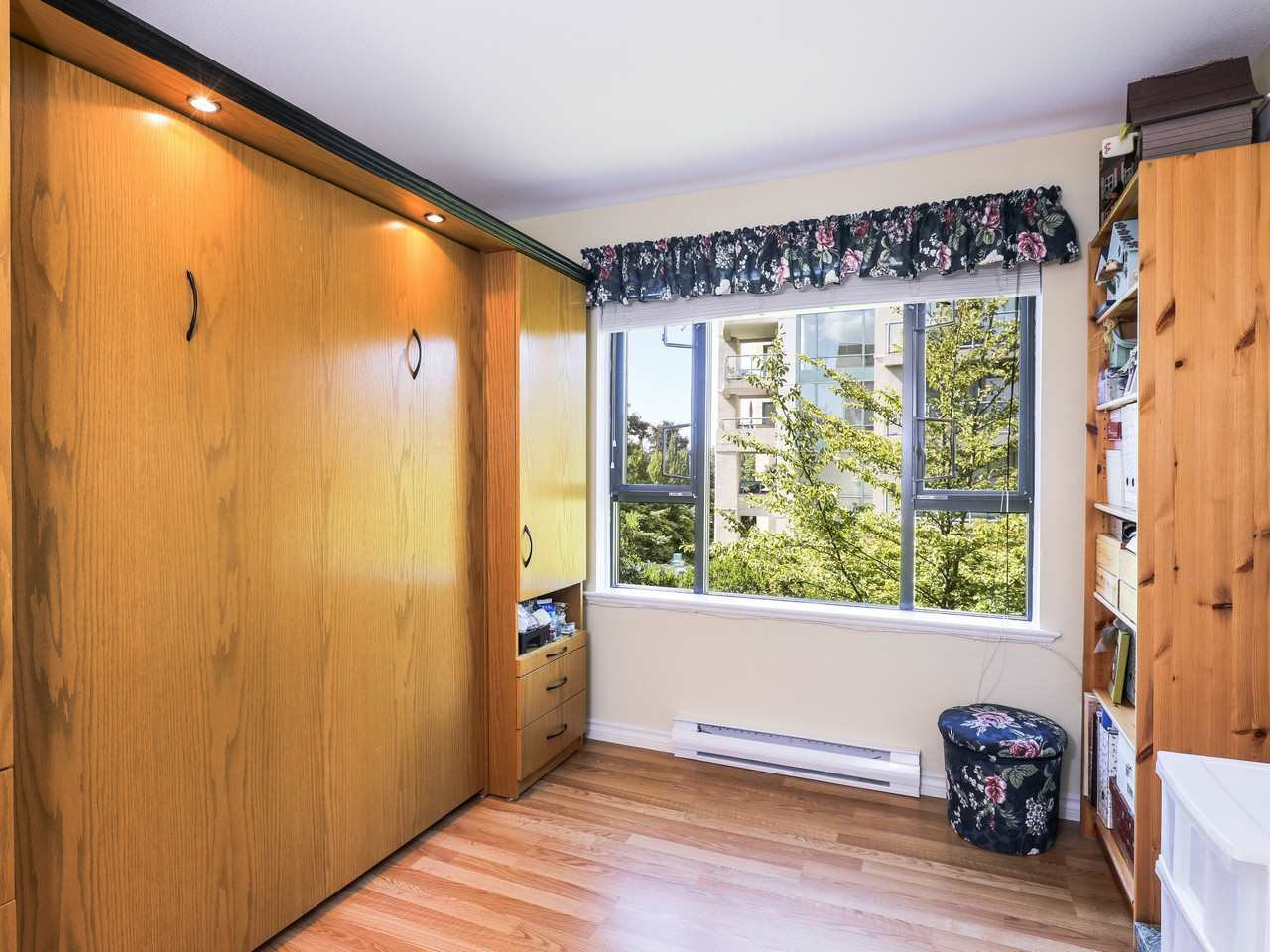Condo Apartment at 209 175 E 10TH STREET, Unit 209, North Vancouver, British Columbia. Image 8