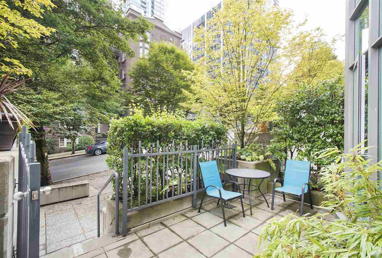 Townhouse at 621 JERVIS STREET, Vancouver West, British Columbia. Image 2