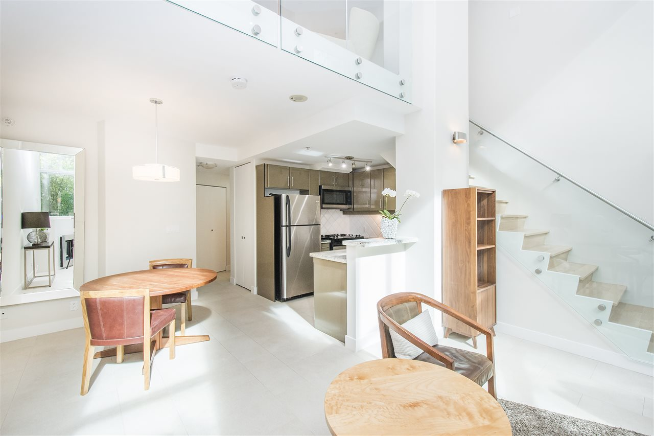 Townhouse at 621 JERVIS STREET, Vancouver West, British Columbia. Image 5