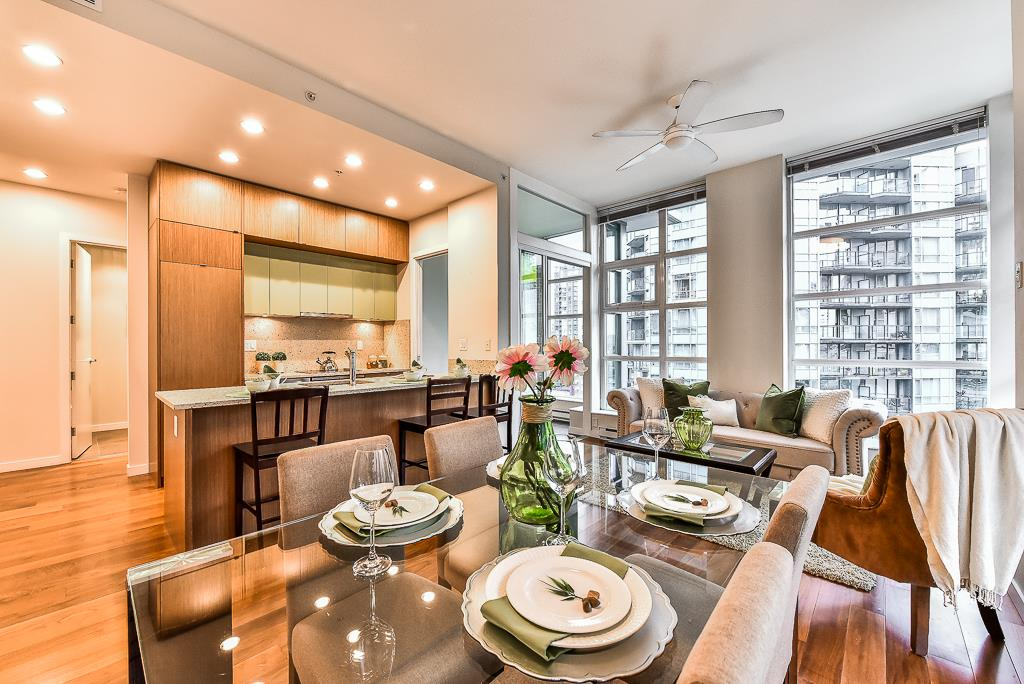 Condo Apartment at 906 1205 HOWE STREET, Unit 906, Vancouver West, British Columbia. Image 4