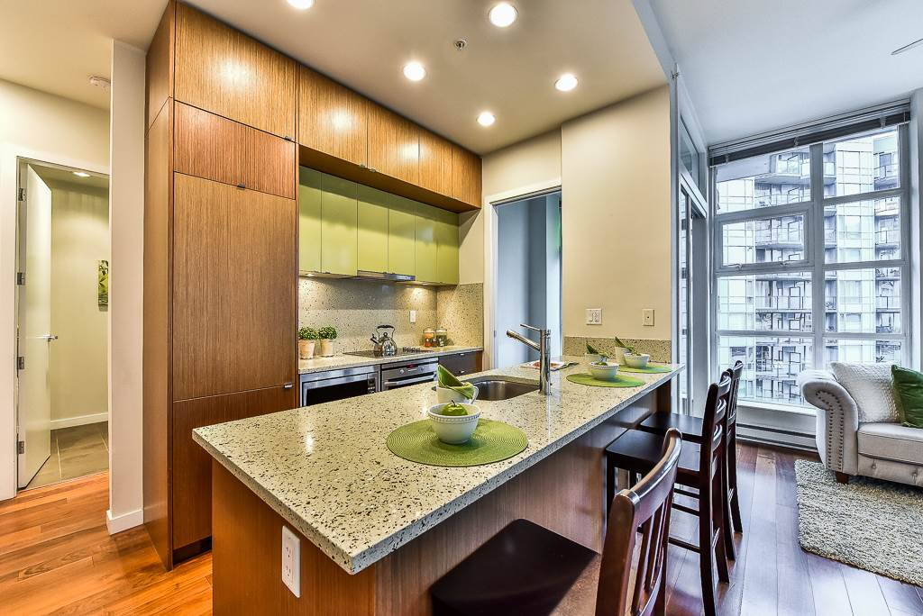 Condo Apartment at 906 1205 HOWE STREET, Unit 906, Vancouver West, British Columbia. Image 7