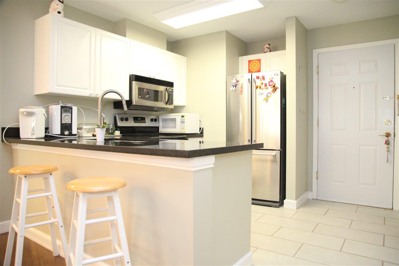 Condo Apartment at 232 5880 DOVER CRESCENT, Unit 232, Richmond, British Columbia. Image 2