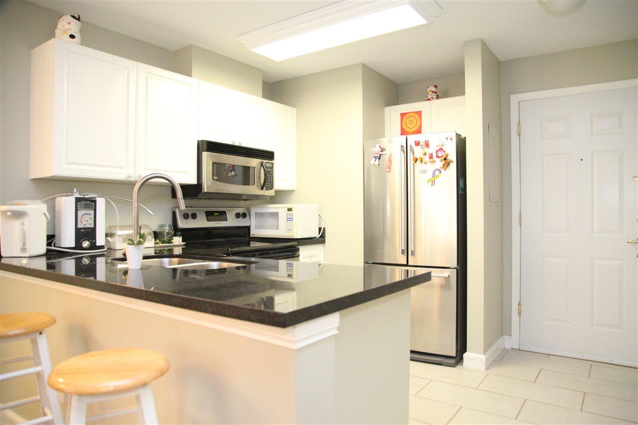 Condo Apartment at 232 5880 DOVER CRESCENT, Unit 232, Richmond, British Columbia. Image 3