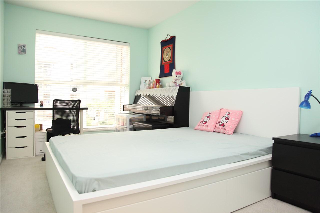 Condo Apartment at 232 5880 DOVER CRESCENT, Unit 232, Richmond, British Columbia. Image 8