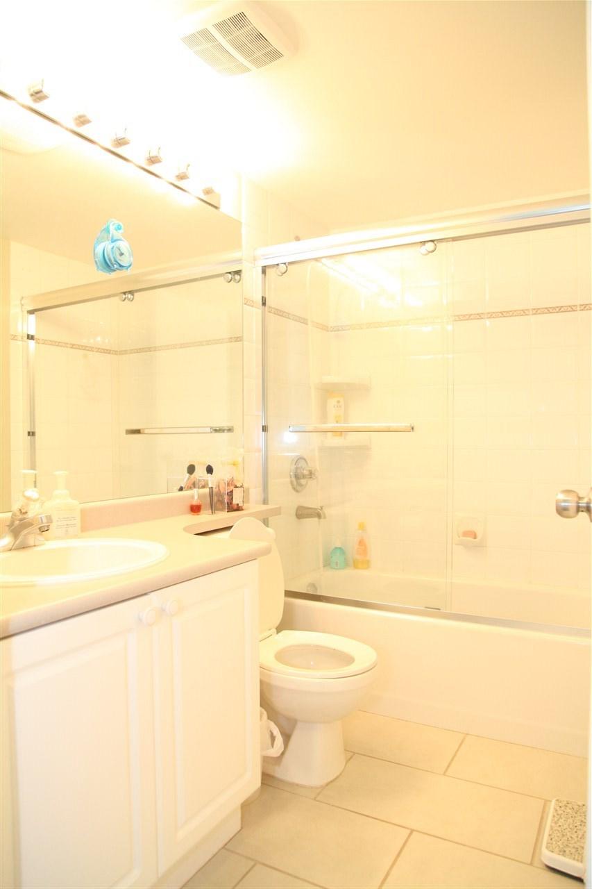Condo Apartment at 232 5880 DOVER CRESCENT, Unit 232, Richmond, British Columbia. Image 9