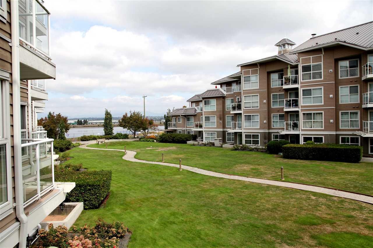 Condo Apartment at 232 5880 DOVER CRESCENT, Unit 232, Richmond, British Columbia. Image 17