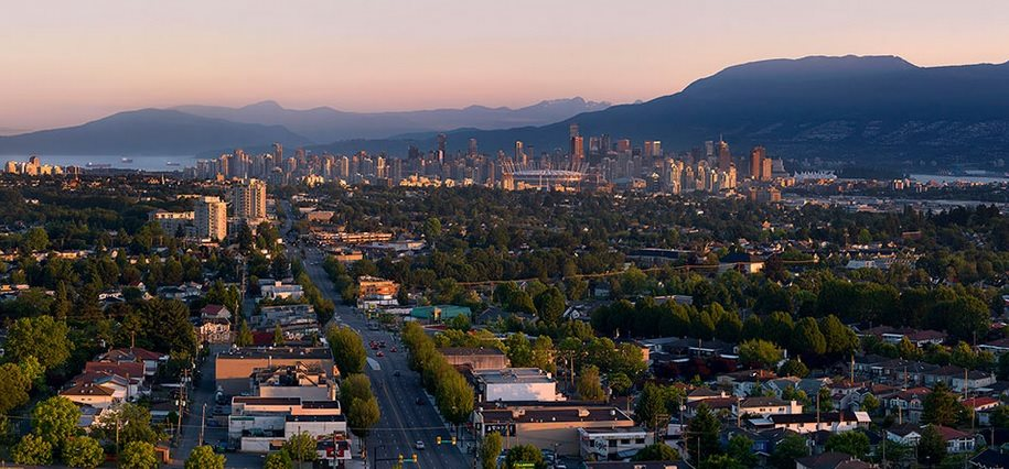 Condo Apartment at 1703 2220 KINGSWAY STREET, Unit 1703, Vancouver East, British Columbia. Image 3