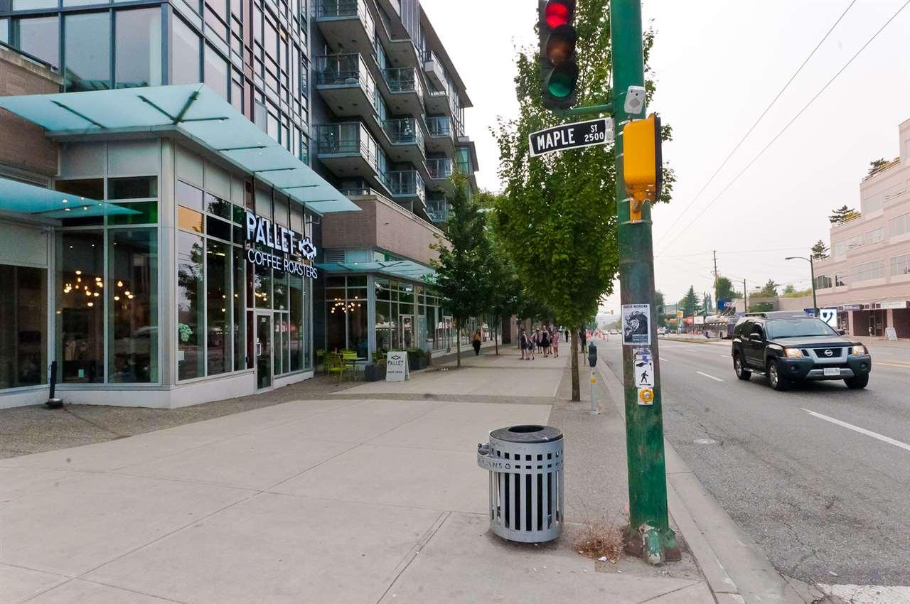 Condo Apartment at 304 2507 MAPLE STREET, Unit 304, Vancouver West, British Columbia. Image 9
