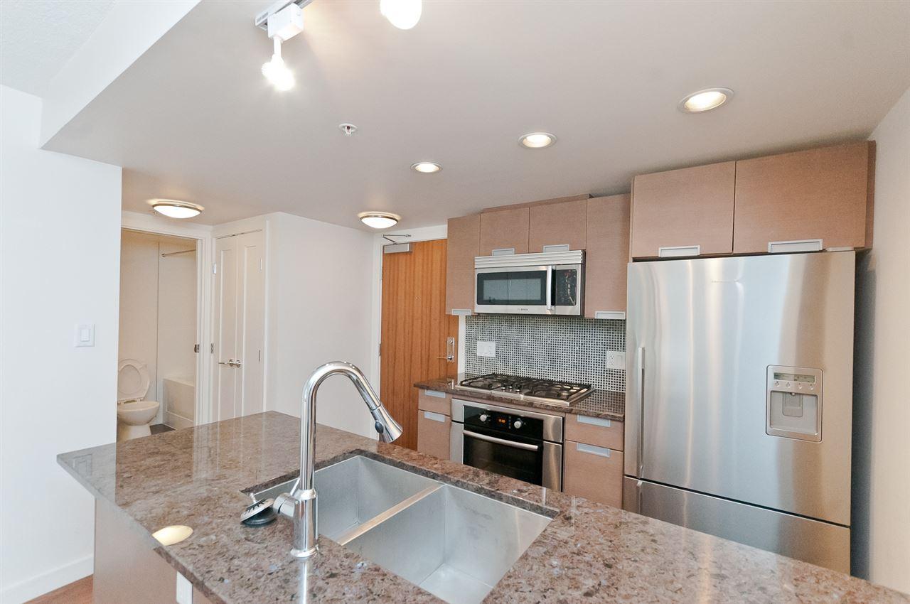 Condo Apartment at 304 2507 MAPLE STREET, Unit 304, Vancouver West, British Columbia. Image 10