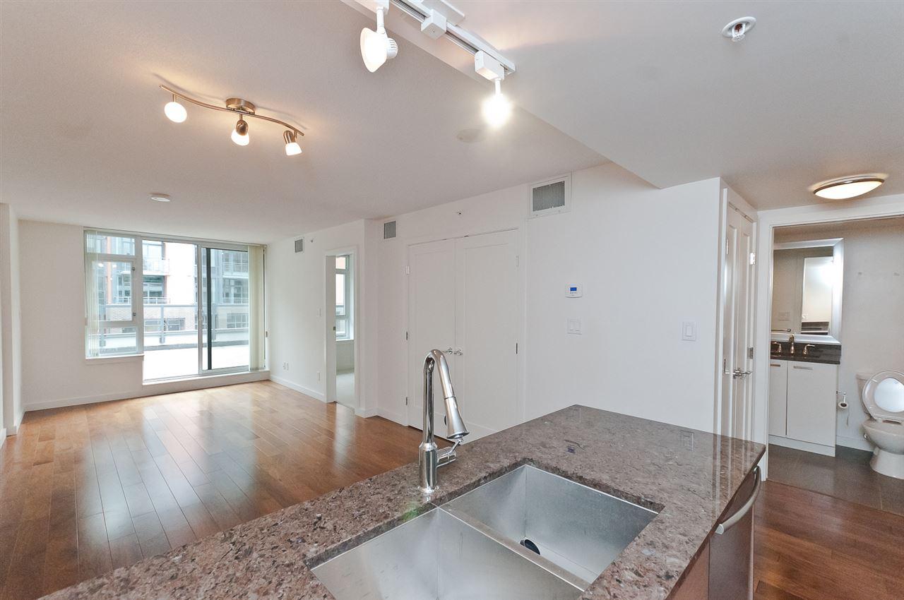 Condo Apartment at 304 2507 MAPLE STREET, Unit 304, Vancouver West, British Columbia. Image 12