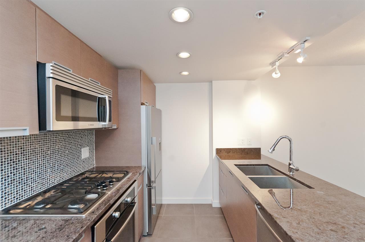 Condo Apartment at 304 2507 MAPLE STREET, Unit 304, Vancouver West, British Columbia. Image 13