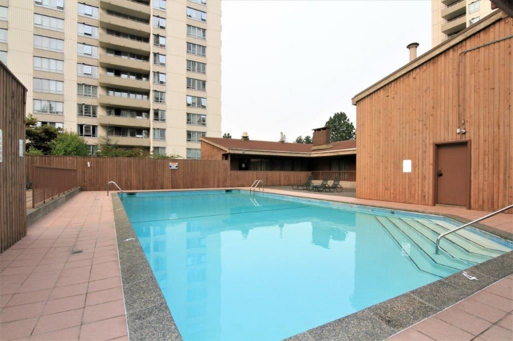 Condo Apartment at 501 5652 PATTERSON AVENUE, Unit 501, Burnaby South, British Columbia. Image 15
