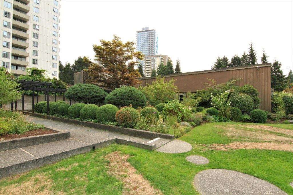 Condo Apartment at 501 5652 PATTERSON AVENUE, Unit 501, Burnaby South, British Columbia. Image 17