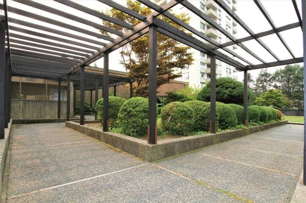 Condo Apartment at 501 5652 PATTERSON AVENUE, Unit 501, Burnaby South, British Columbia. Image 18