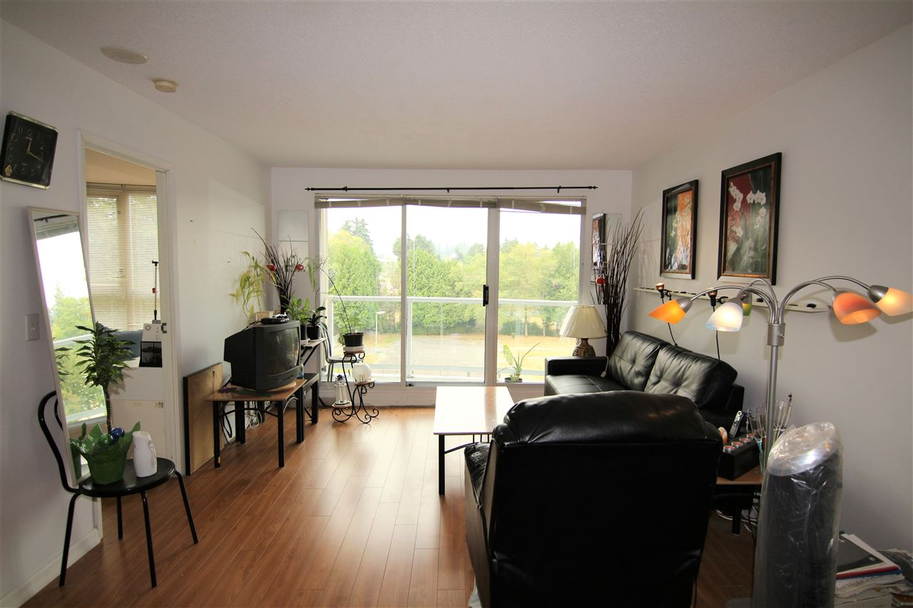 Condo Apartment at 608 10523 UNIVERSITY DRIVE, Unit 608, North Surrey, British Columbia. Image 3