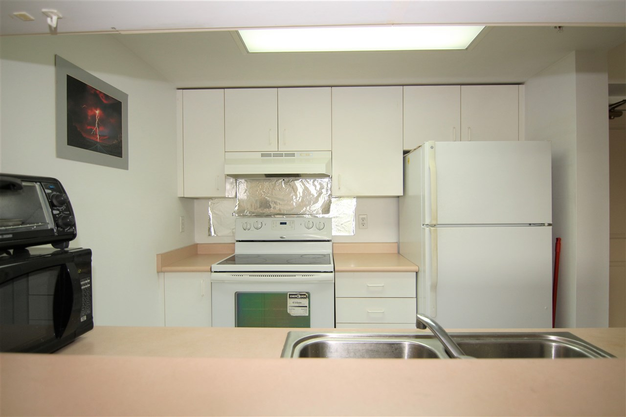 Condo Apartment at 608 10523 UNIVERSITY DRIVE, Unit 608, North Surrey, British Columbia. Image 6