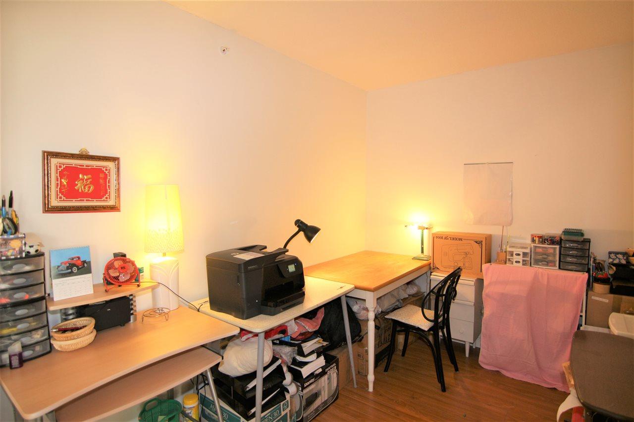 Condo Apartment at 608 10523 UNIVERSITY DRIVE, Unit 608, North Surrey, British Columbia. Image 10