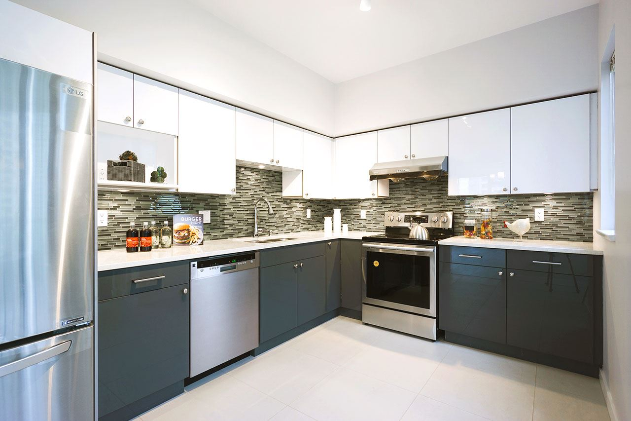 Condo Apartment at 600 5967 WILSON AVENUE, Unit 600, Burnaby South, British Columbia. Image 5