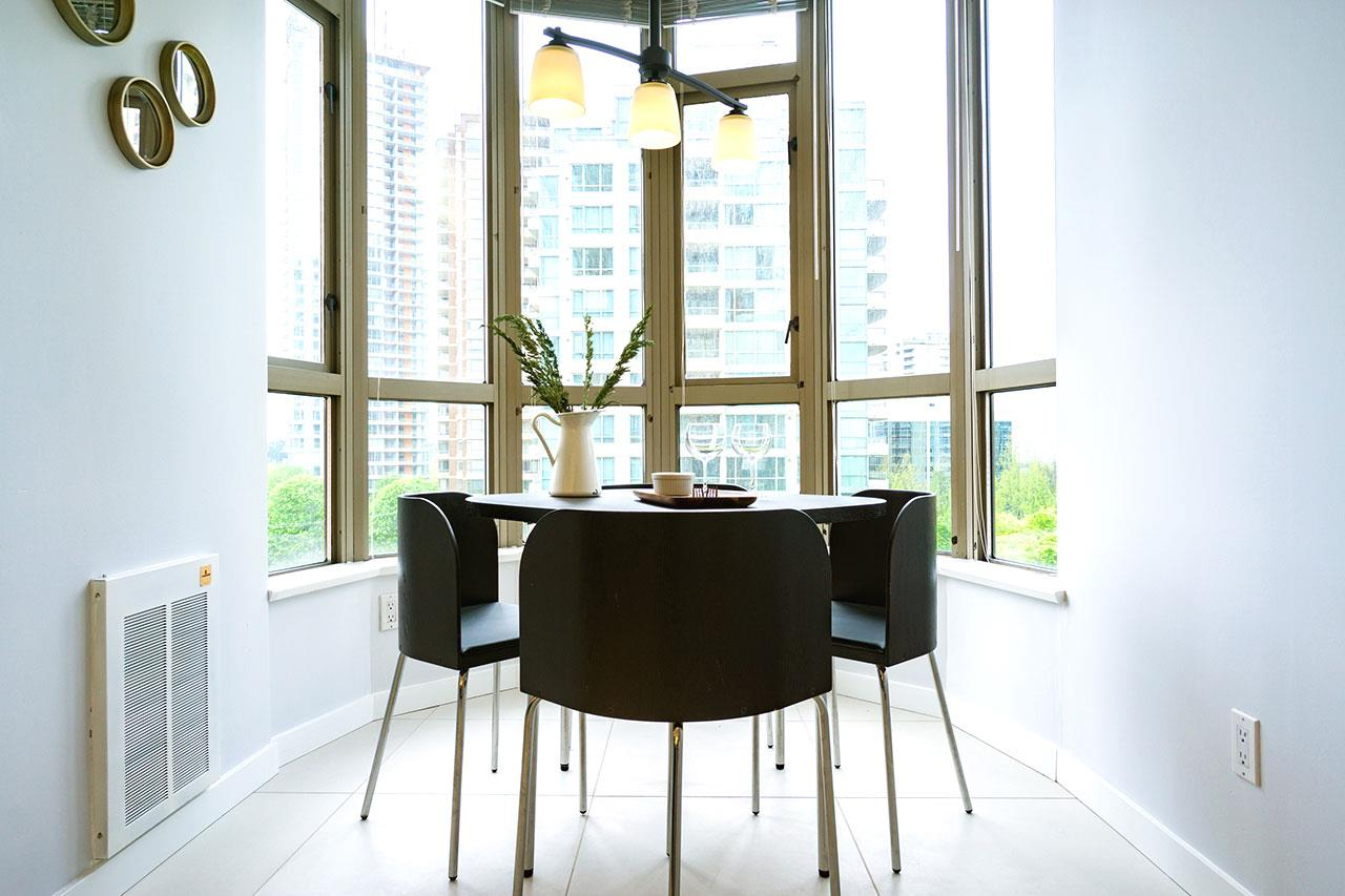 Condo Apartment at 600 5967 WILSON AVENUE, Unit 600, Burnaby South, British Columbia. Image 6